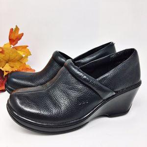 b.o.c Black Leather Nadiyya Clog Sz 7 M/W